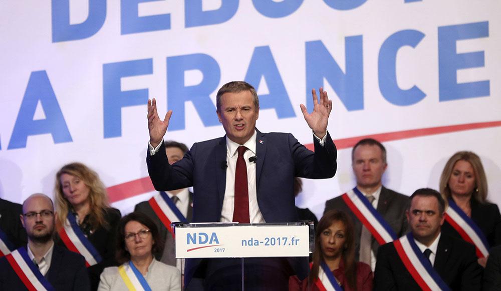 """Dupont-Aignan (DLF) prône une """"baisse de charges ciblées"""" pour les entreprises investissant en France"""