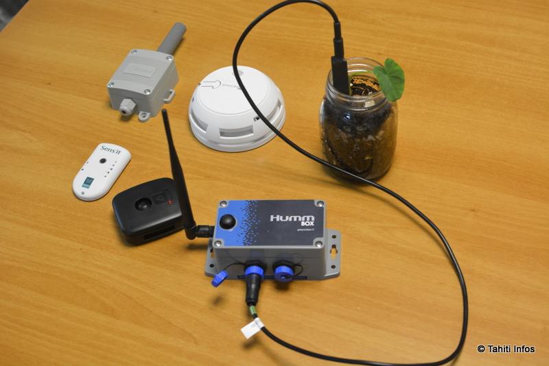 Une sélection d'objets connectés qui fonctionnent sur le réseau SigFox proposé par Viti. Citons Sens'it, qui cumule détecteur de température, de lumière, d'ouverture de porte, de déplacement et de magnétisation. Il y a aussi Smockeo, le détecteur de fumée connecté, Enless pour les frigos industriels, la Humm Box pour les conditions du sol, et TiFiz, un traqueur GPS waterproof.
