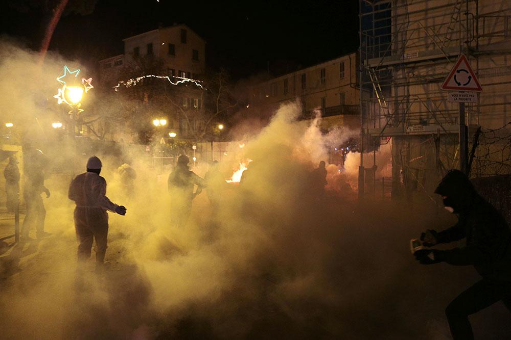 Corse: 25 cocktails Molotov contre la sous-préfecture de Corte