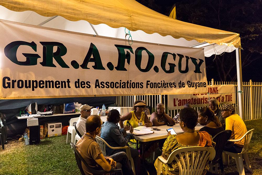 """Plus de 10.000 manifestants en Guyane pour la """"journée morte"""""""