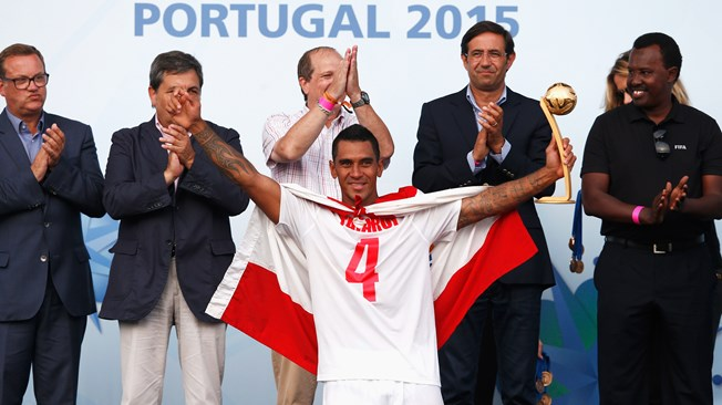 Le n°4 de l'équipe des Tiki Toa a été distingué Ballon d'Or adidas 2015.