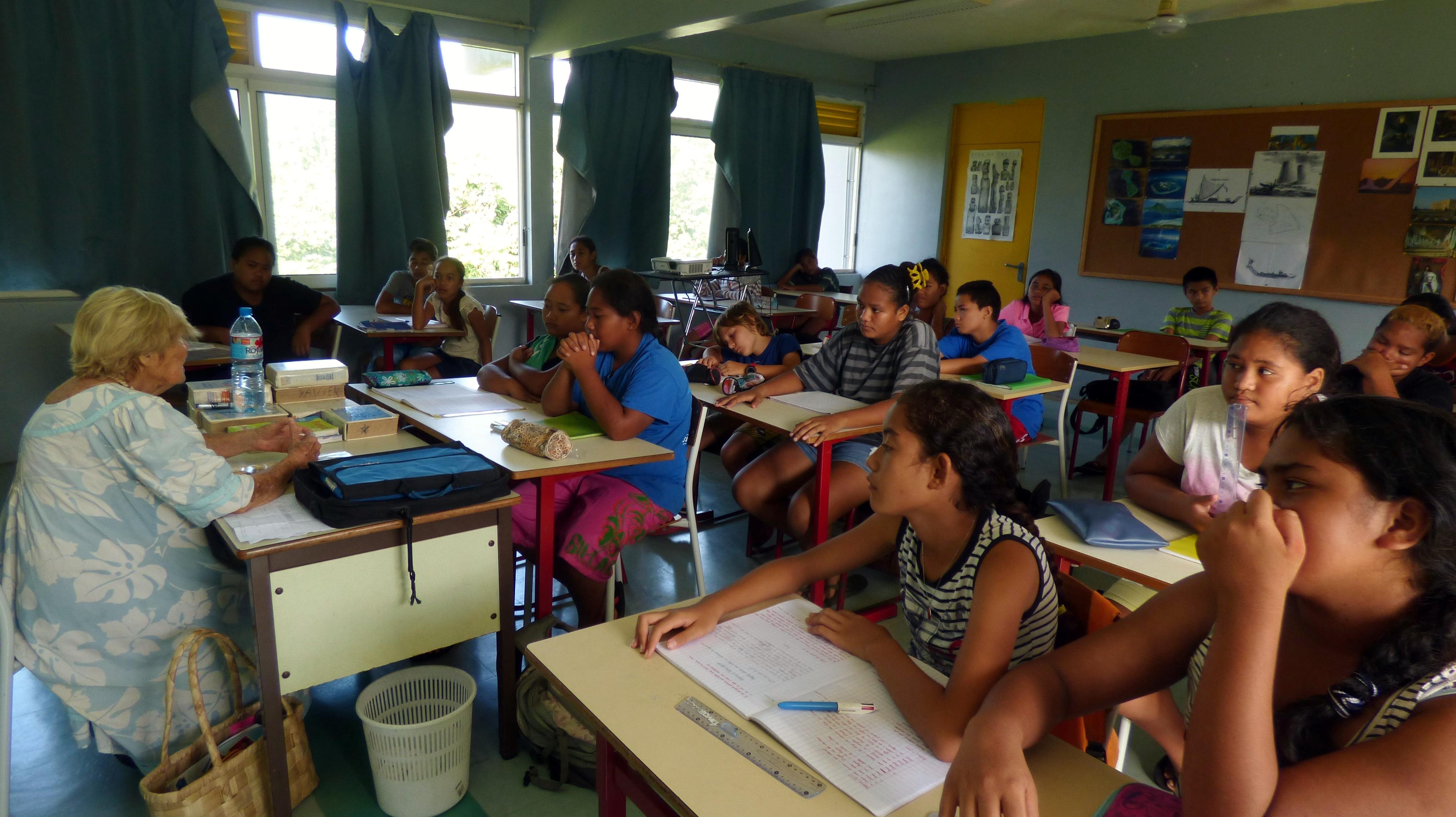 Grâce au Fifo hors les murs, les élèves des îles peuvent également découvrir les films réalisés en Océanie.