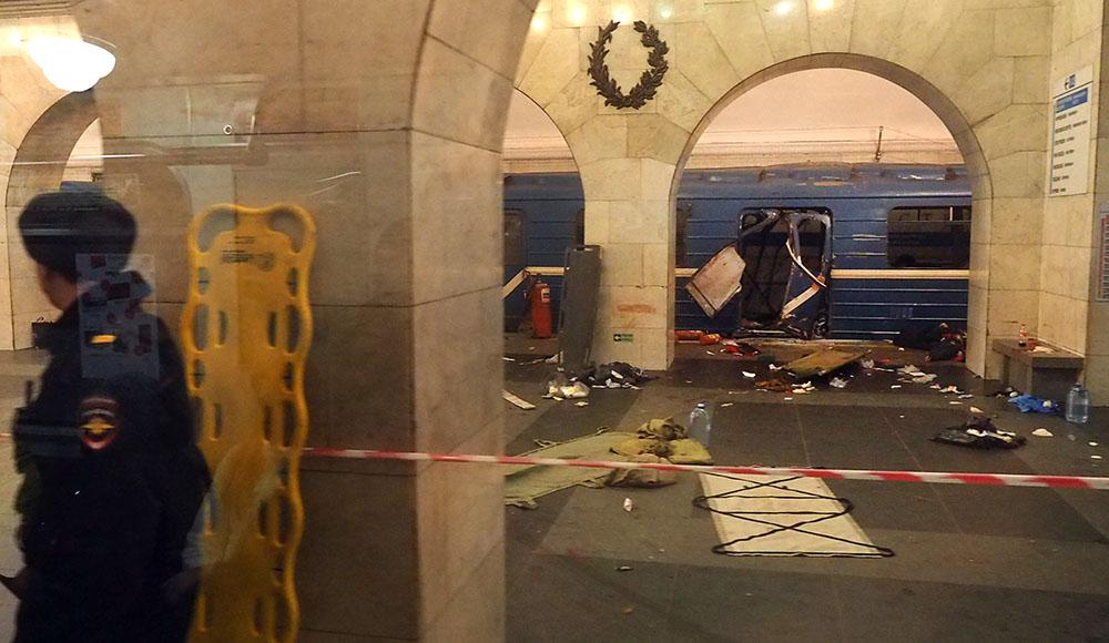 Explosion dans le métro de Saint-Pétersbourg, 10 morts