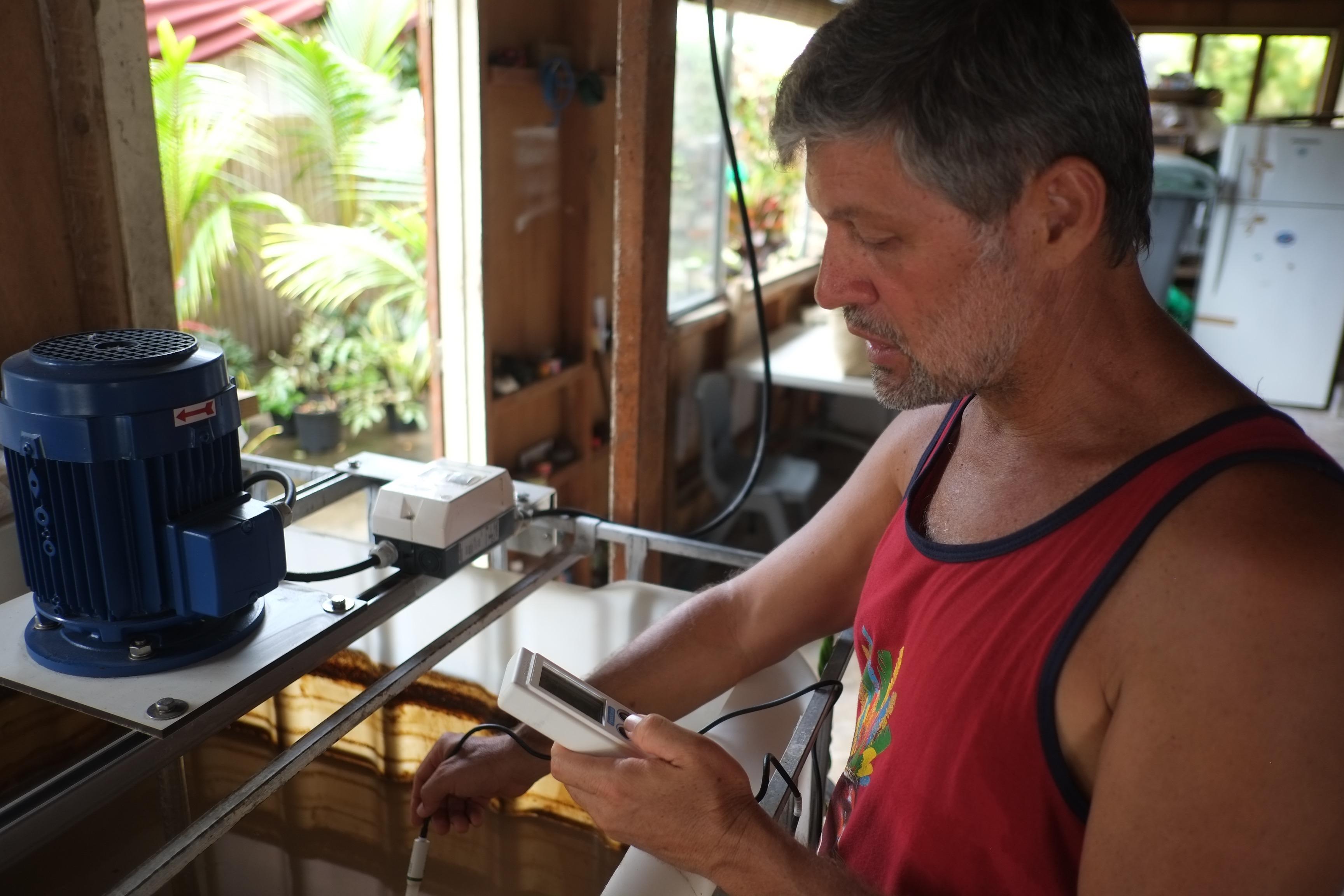 Karel Luciani recycle les déchets de poissons