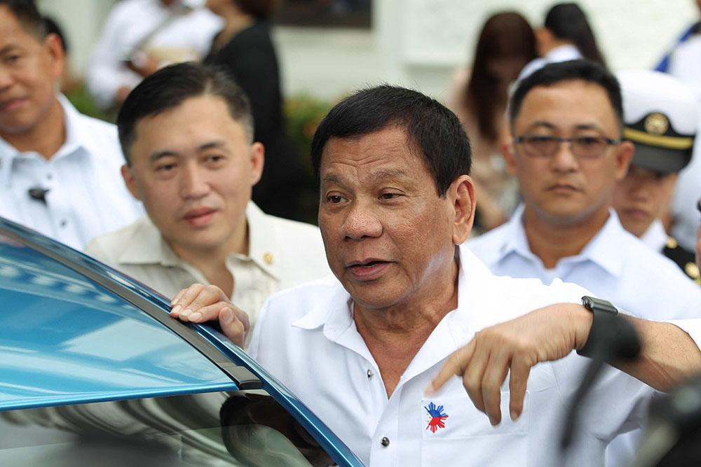 """Philippines: """"Qui, parmi vous, n'a pas de maîtresse?"""" (Duterte)"""