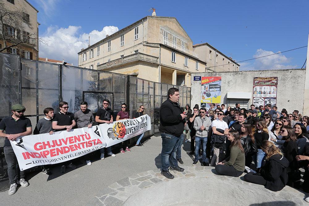 """Corte: 250 personnes manifestent contre la """"répression de la jeunesse corse"""""""