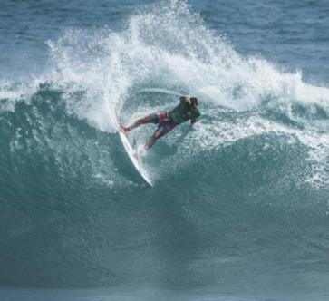 Surf « Martinique Surf Pro » : Heremoana Luciani aux portes du quatrième tour.