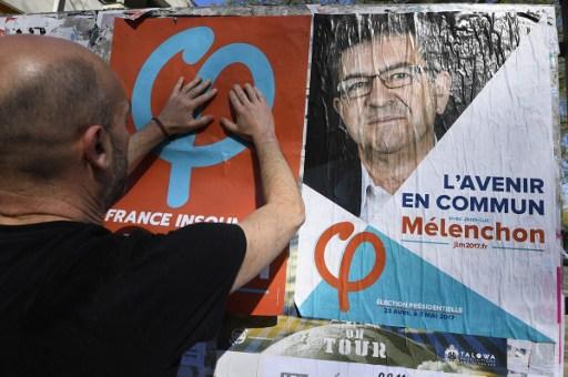 Mélenchon rejoint Fillon, Macron et Le Pen toujours en tête mais en baisse