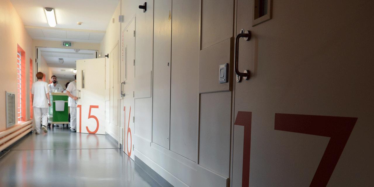 Décrit comme imprévisible, l'homme a été placé en hôpital psychiatrique.@ PHILIPPE DESMAZES / AFP