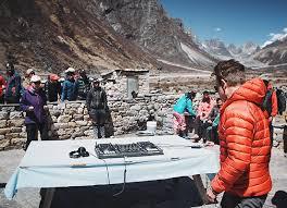 Everest: un concert électro à 5.400 mètres d'altitude