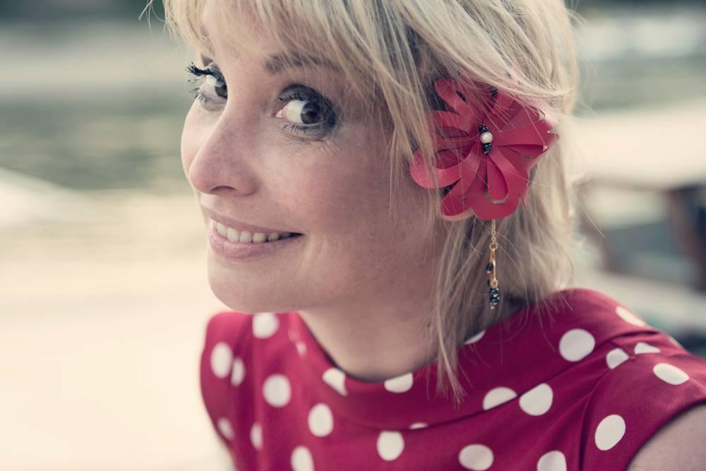 « Je suis venue à Papeete pendant deux mois pour des vacances en 2000 », explique Nathalie Birault  « Mes souvenirs sont remplis de bienveillance de sourires de couleurs de senteurs de goûts, de sons que j'ai adorés et que j'aimerai retrouver un jour. » crédit photo : Sébastien Jourdan