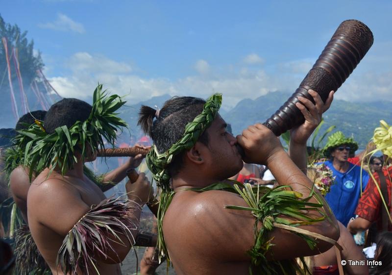 Les pirogues ont été accueillies au son des pū