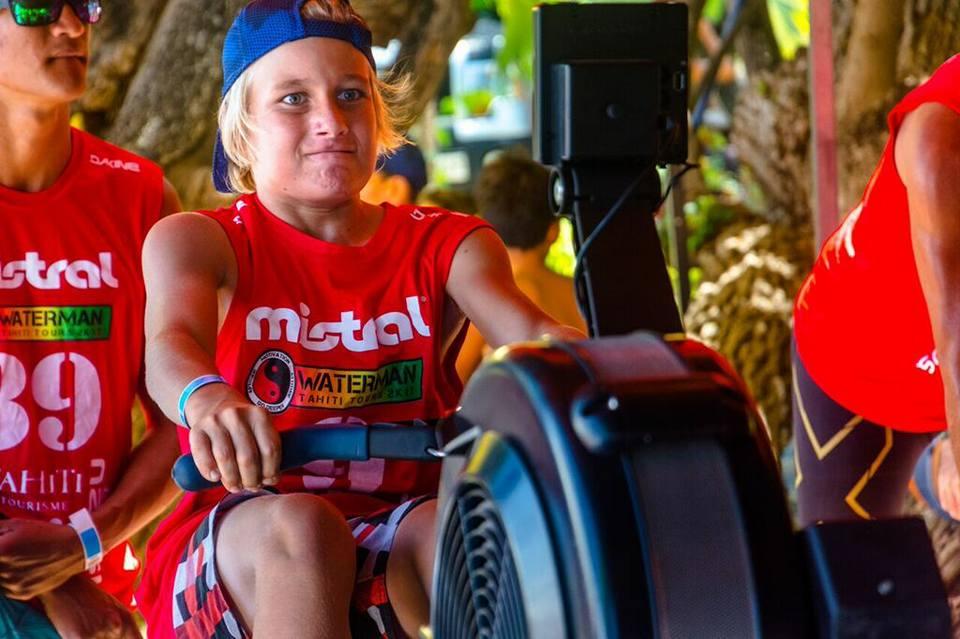 Au défi rowing, pour les junior aussi il a fallu tout donner (photo Waterman Tahiti Tour)