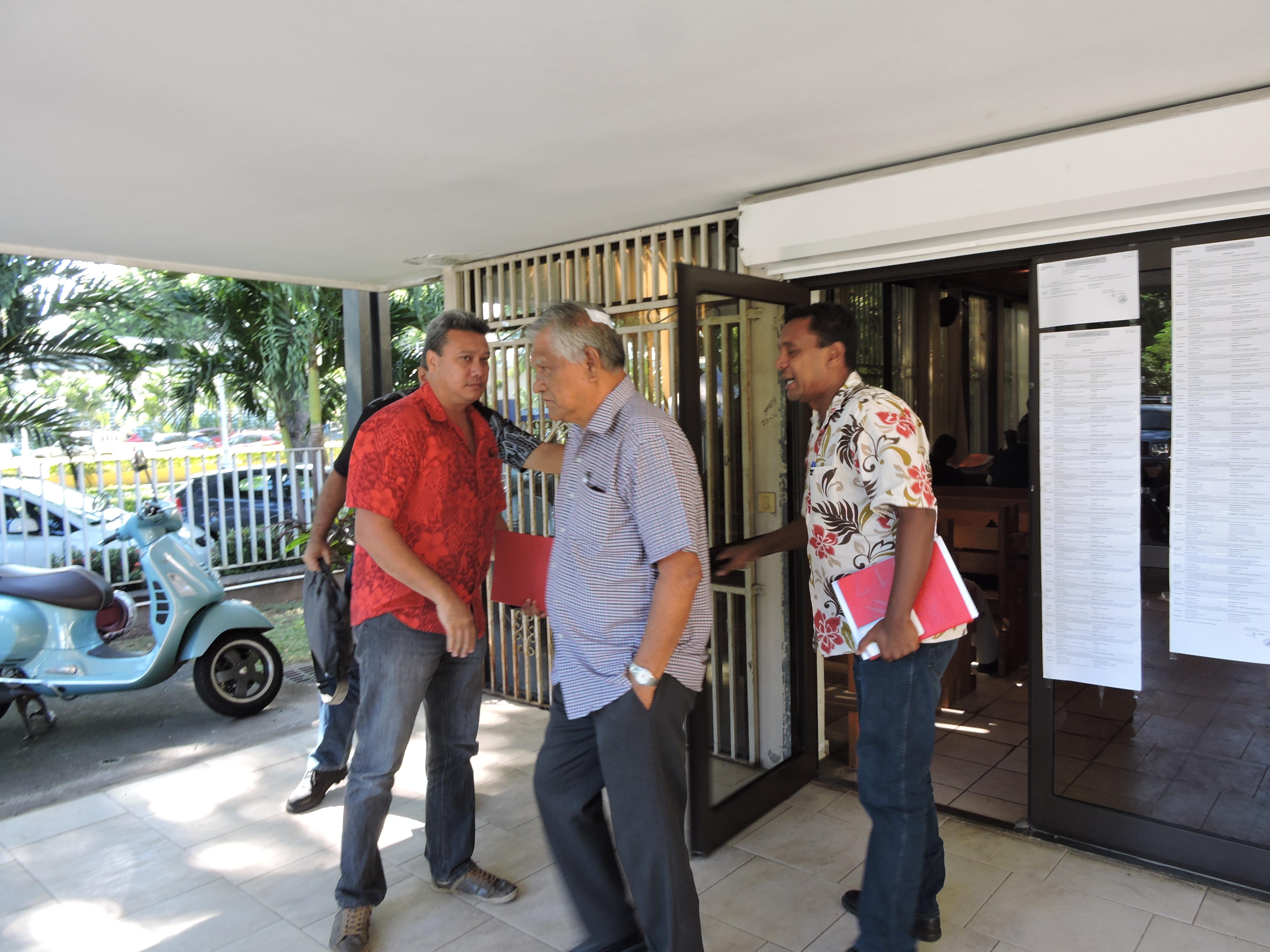 Tamatoa Doom, délégué suppléant (à gauche), a représenté Teva i Uta lors du vote de la concession de service public de l'électricité sur son secteur géographique à la société EDT-Engie.