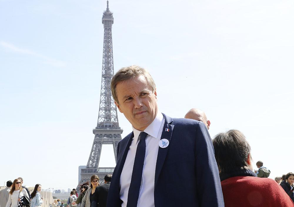 Dernier meeting pour Dupont-Aignan, qui espère toujours attirer les déçus de Fillon