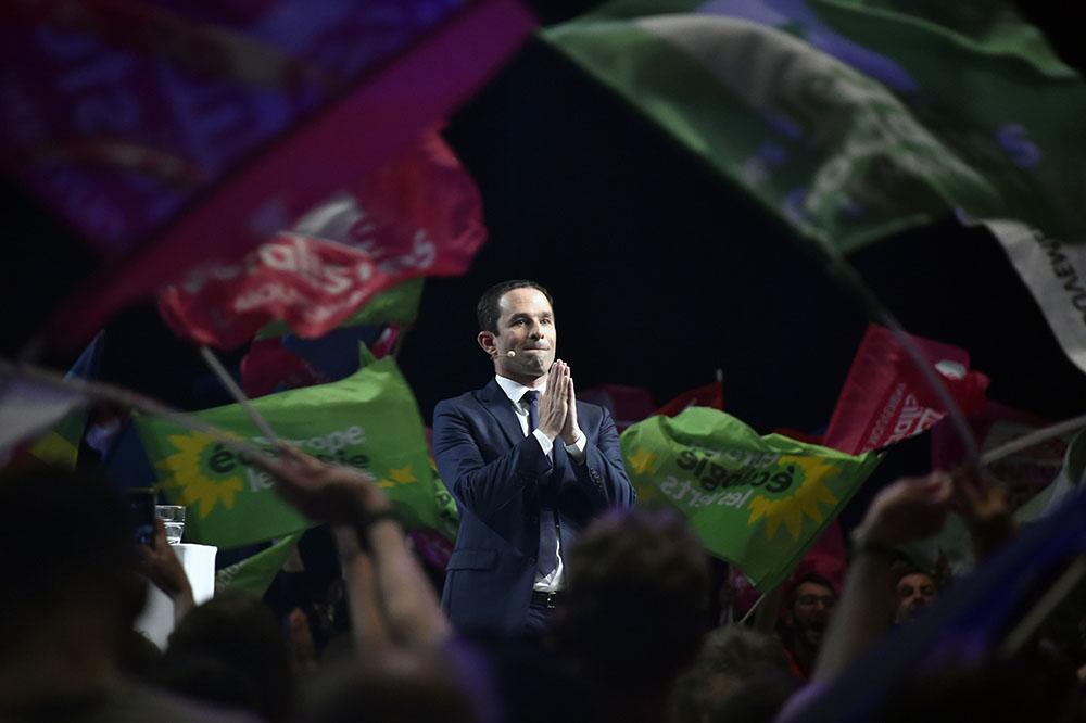 Pour Hamon, un dernier meeting à Paris pour tenter de limiter la casse
