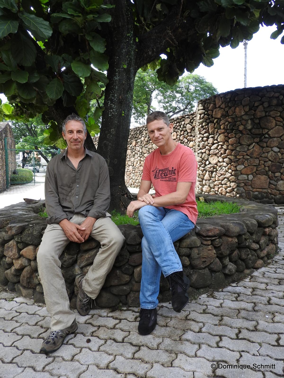 Christian Coulombe et Sylvain Girardot sont à l'origine de l'exposition annuelle consacrée à la photographie polynésienne depuis 2010.