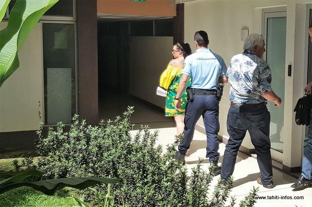 En détention provisoire depuis 9 mois pour importation d'ice à Tahiti, cette ressortissante américaine a vu sa demande de placement sous bracelet électronique rejetée ce matin.