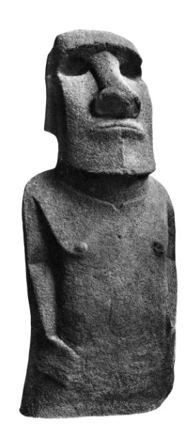 """La """"briseuses de vagues"""" aujourd'hui au British Museum, vue de dos et de face, une statue qui inspira le Moai de la Paix."""