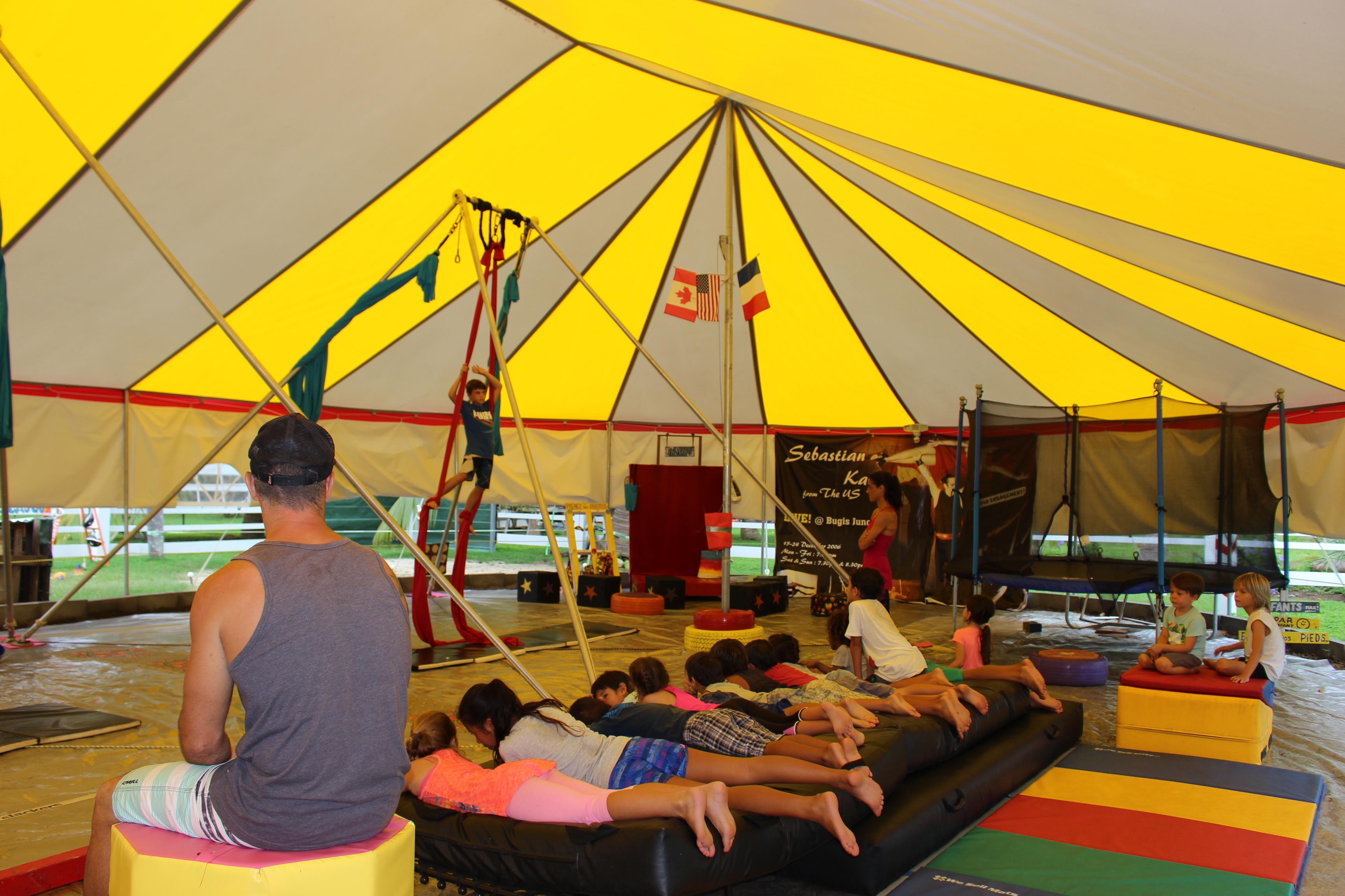 L'espace cirque de Moorea propose des stages et annonce des cours