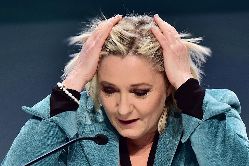Marine Le Pen, deuxième, aura fort à faire face à Emmanuel Macron