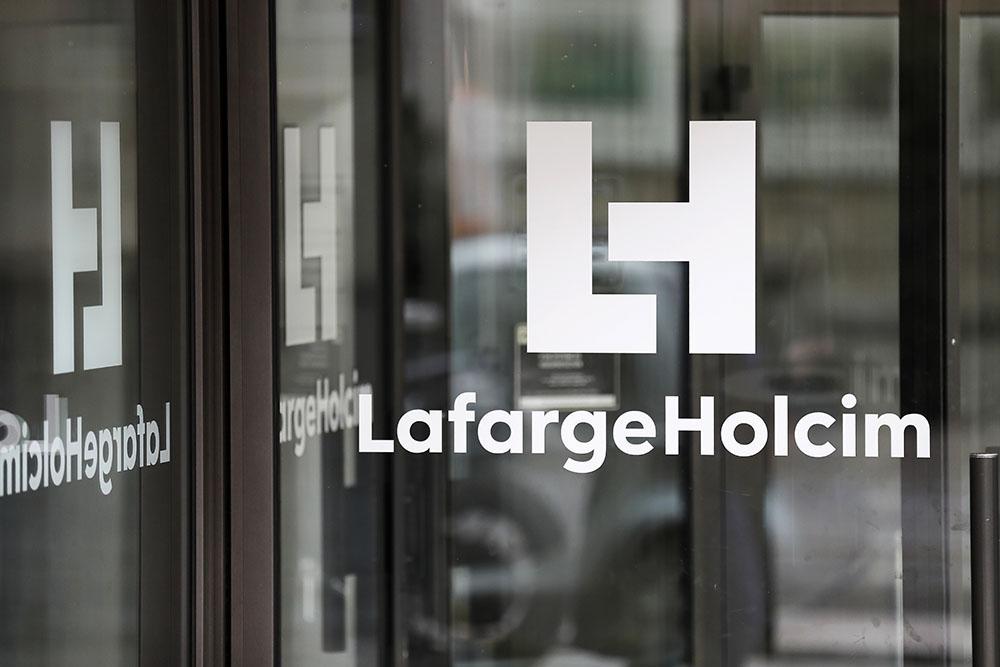 Le patron de LafargeHolcim démissionne pour apaiser le dossier Syrie