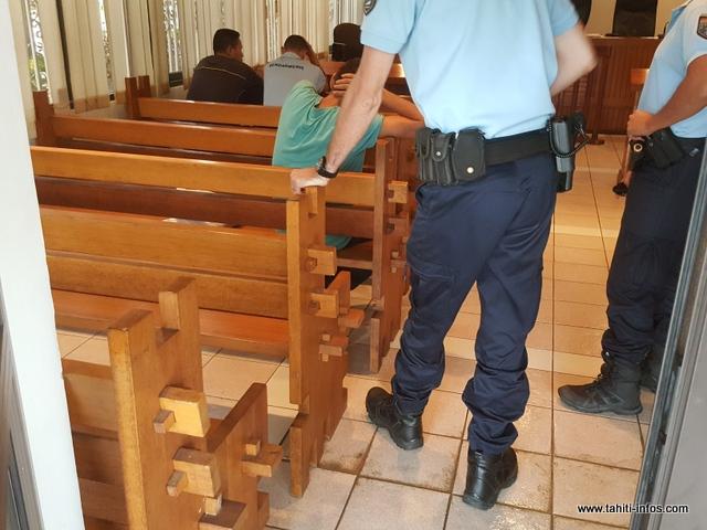 Le tribunal a pris en compte le casier judiciaire vierge et la détresse psychologique du prévenu mais l'a averti qu'il veillera de près à ce qu'il respecte l'interdiction d'entrer en contact avec la victime.