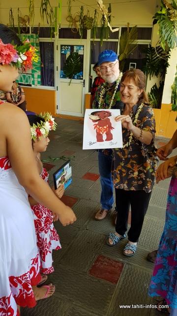 En plus du DVD, un dessin de Moana a été offert à l'école.