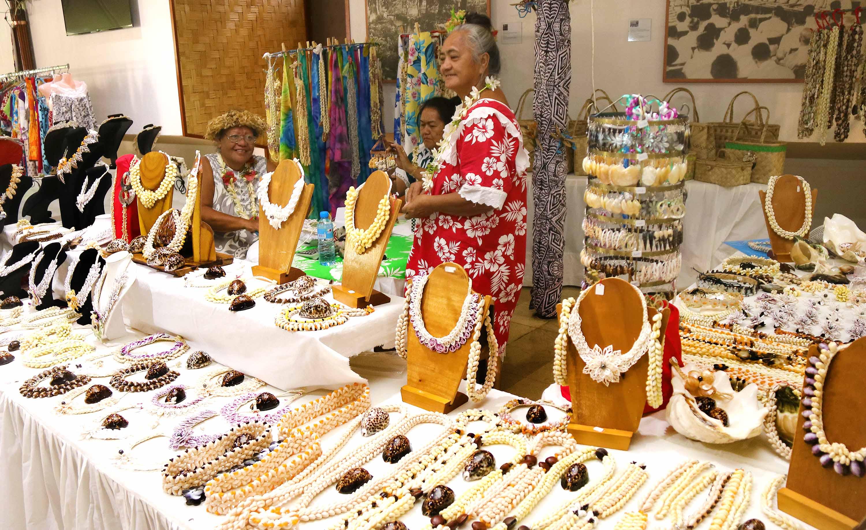 Exposition à l'assemblée : la femme au cœur de l'artisanat