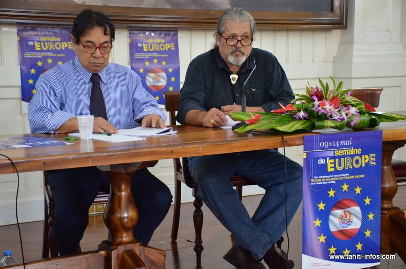 Charles Garnier, le chef du bureau polynésien des affaires européennes et Manuel Terai, délégué aux affaires internationales, européennes et du Pacifique pour la Polynésie française.