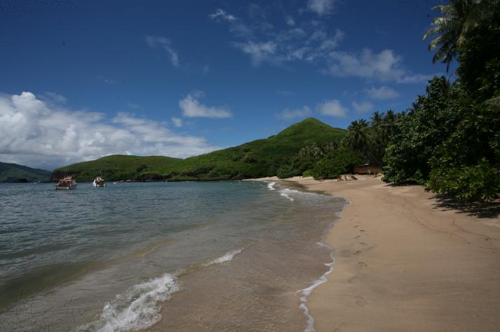 C'est sur l'une des trois belles plages au nord de Tahuata que les touristes finissent leur excursion dans cette île encore très peu fréquentée.