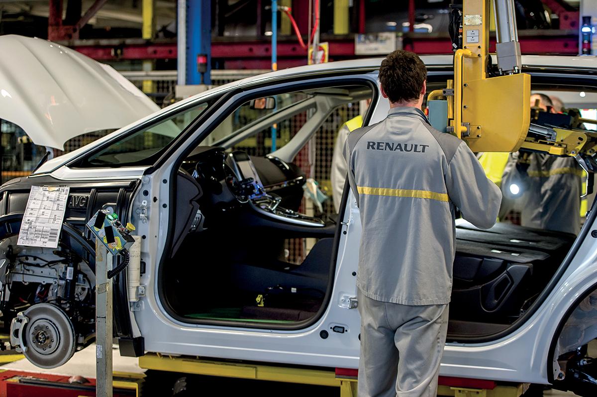 """L'usine Renault de Douai (Nord), l'une des plus importantes du constructeur automobile en France, était à l'arrêt lundi matin """"préventivement"""" en raison de la cyberattaque mondiale."""