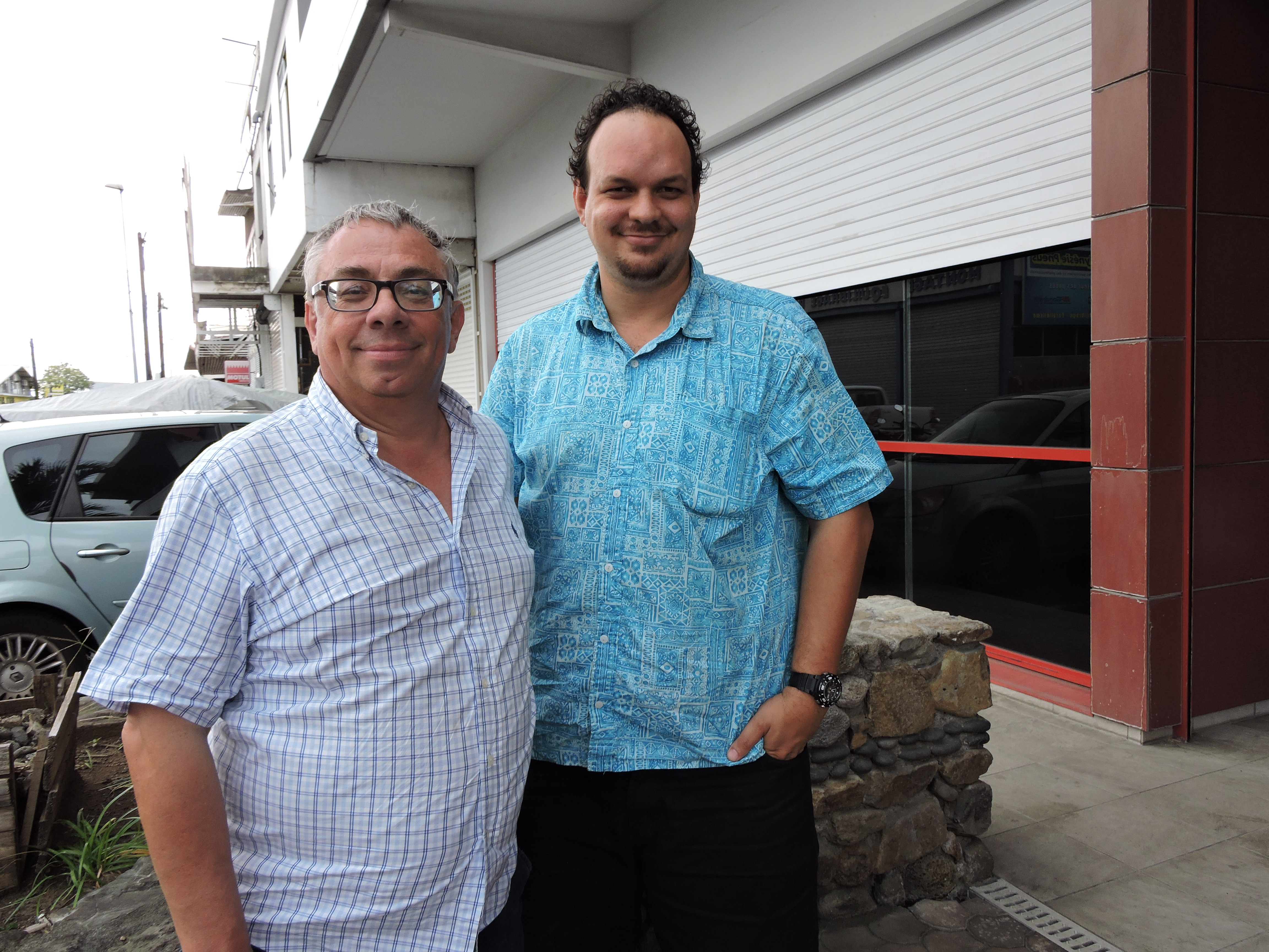 Christian Lage, secrétaire général du Snetaa-FO, et Maheanuu Routhier, secrétaire territorial adjoint de Snetaa-FO.