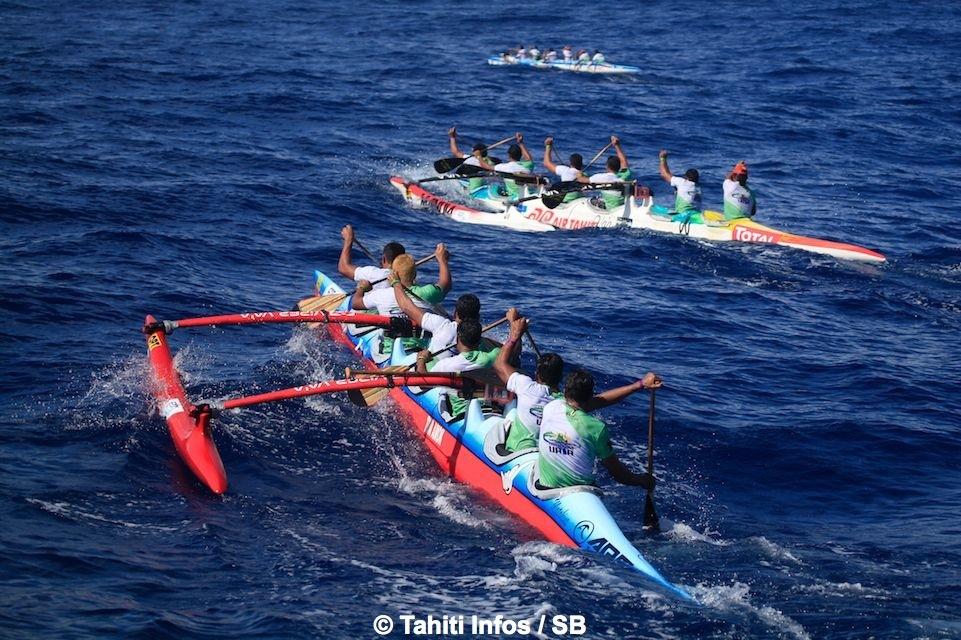 La Pirogue de Bora à la poursuite de Air Tahiti et Paddling Connection