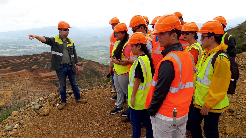 Durant 11 jours, 18 étudiants de l'UPF ont sillonné la Nouvelle Calédonie dans le cadre d'un voyage étude.