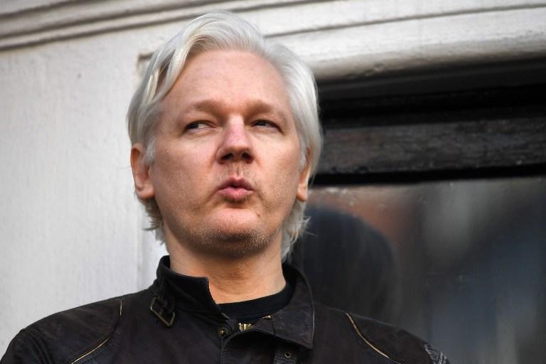 Abandon des poursuites en Suède contre Assange qui crie victoire