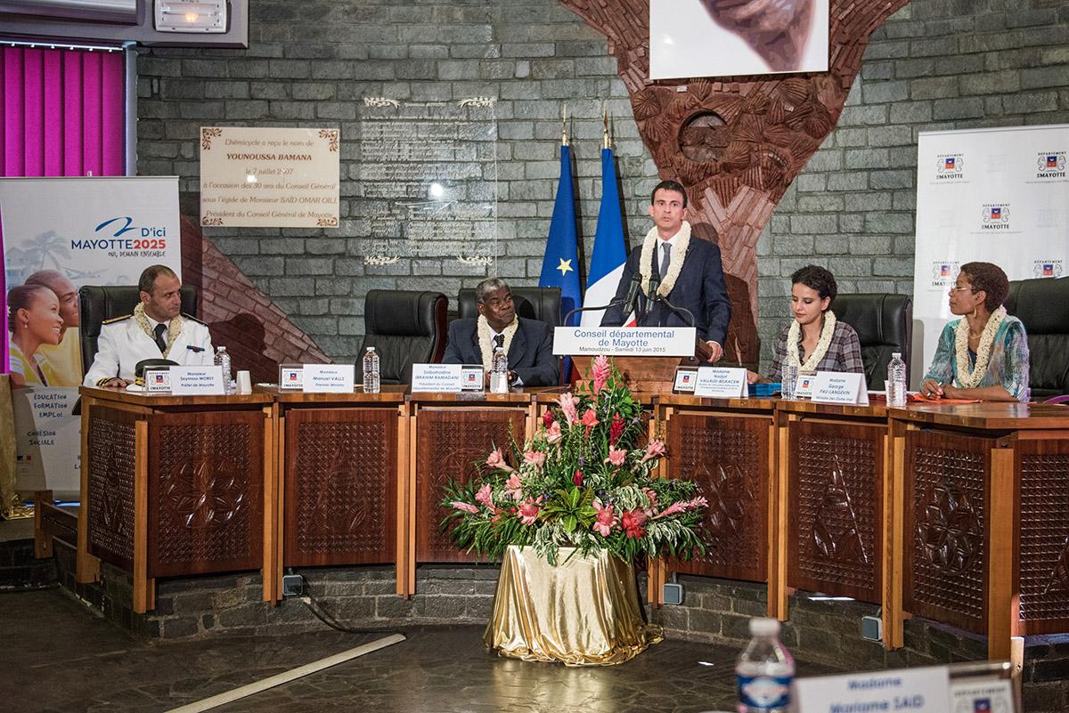 """A Mayotte, le Conseil départemental conserve """"un effectif pléthorique"""""""