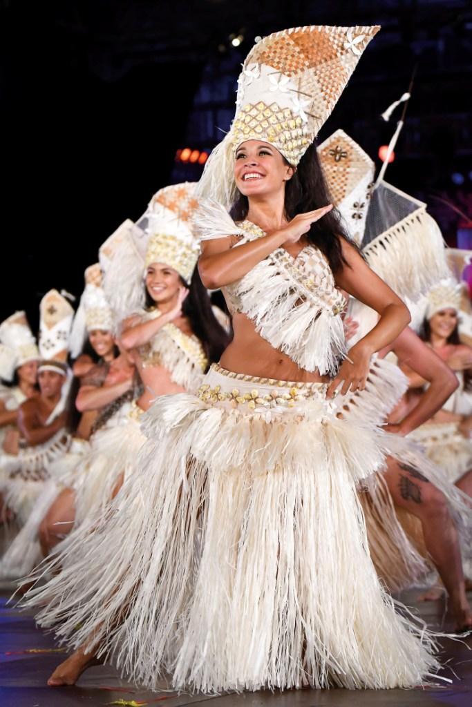 L'année dernière, Hitireva a remporté le premier prix Hura Tau en danse. La chef de troupe Kehaulani Chanquy fait partie cette année du jury.