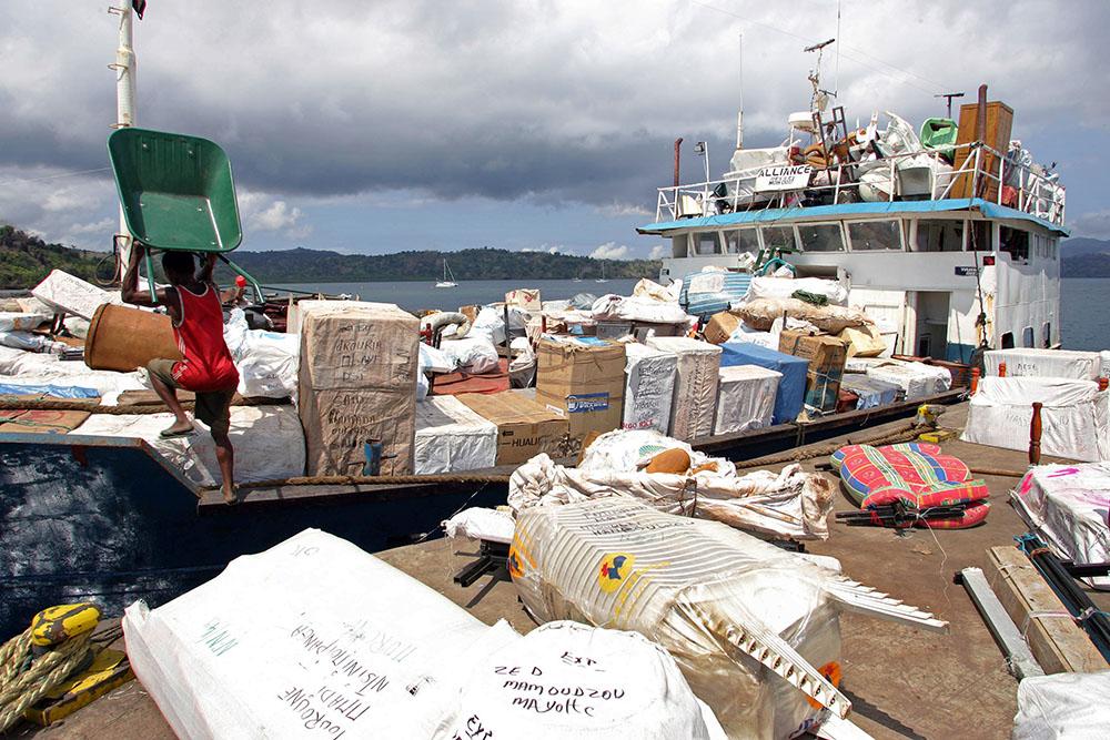 L'unique port de commerce de Mayotte bloqué depuis trois jours