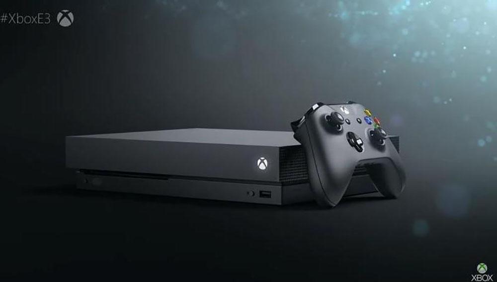Microsoft dévoile sa nouvelle console Xbox One X face à Sony