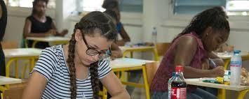 """En Guadeloupe, la plus jeune candidate au bac de France trouve que la philo, """"c'est le plus facile"""""""