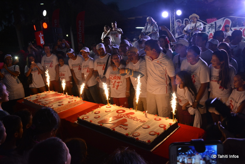 Les salariés de Vodafone ont partagé ces gâteaux avec leurs clients, avec beaucoup d'émotions.