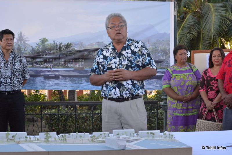 Luc Faatau présente le futur terminal de croisière de Vaiete