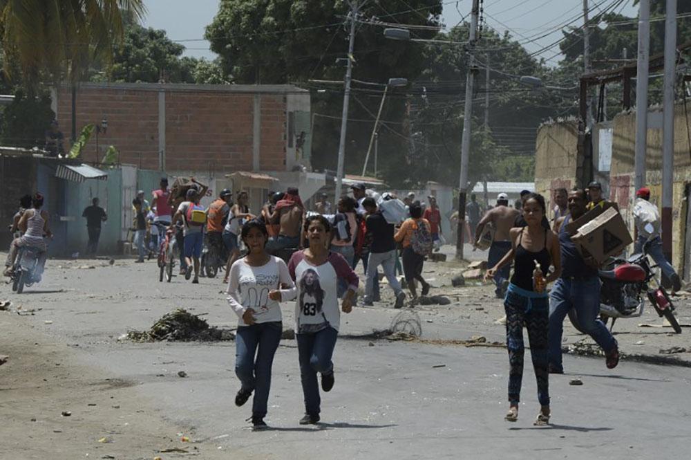Venezuela: un hélicoptère lance des grenades sur la Cour suprême