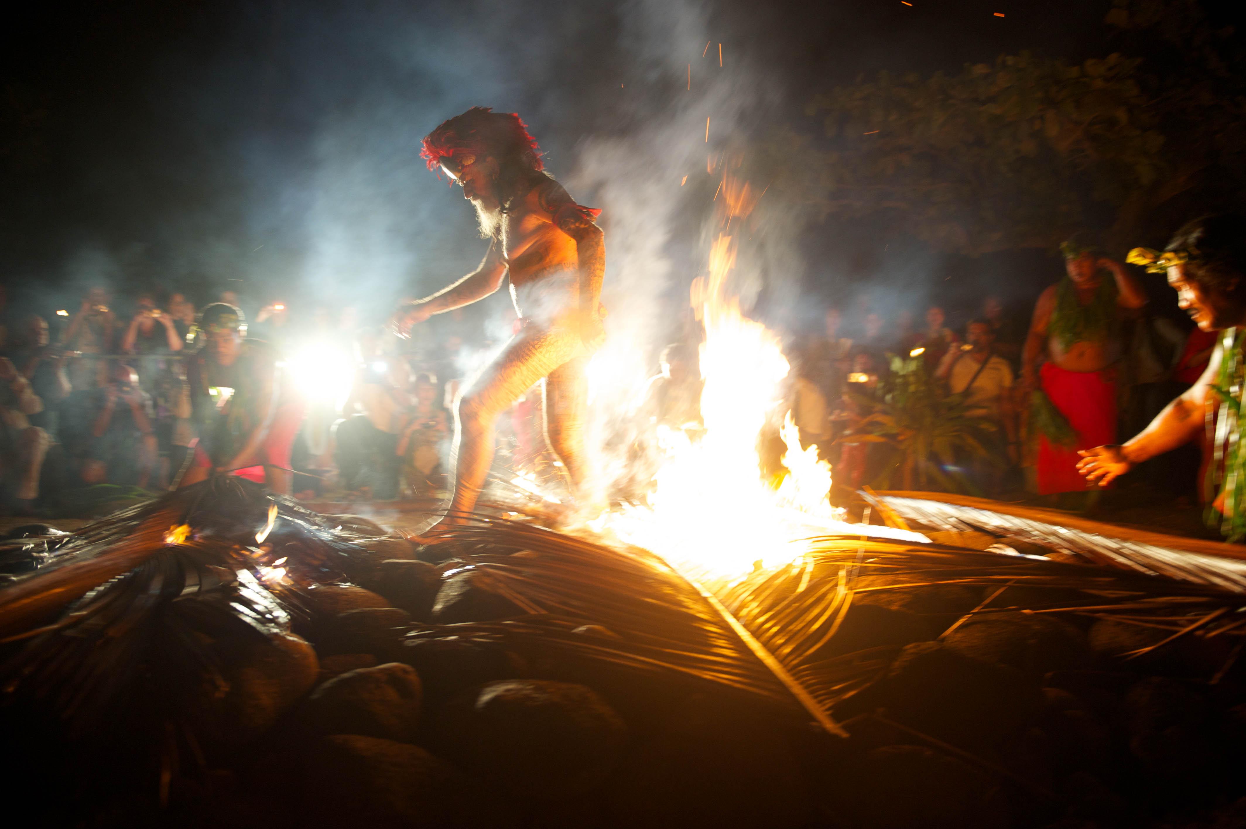 La marche sur le feu, une tradition spectaculaire !