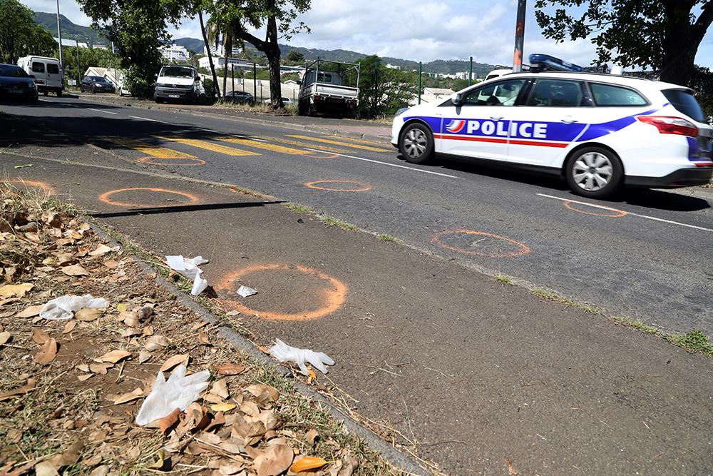 Nelle-Calédonie: quatre mineurs mis en examen après la mort d'une motarde