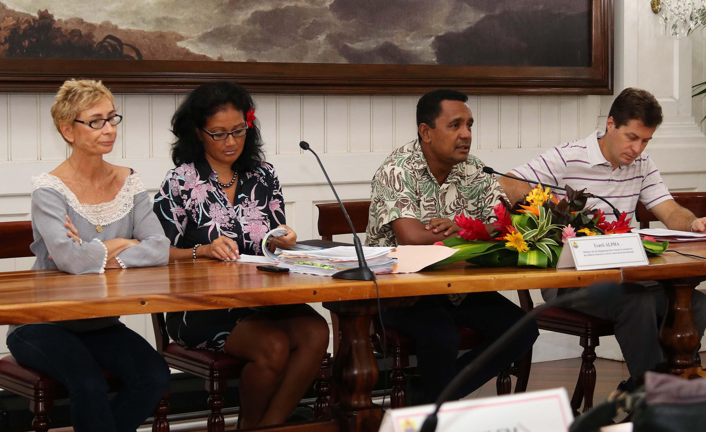 Tearii Alpha, ministre en charge des ressources primaires, s'est exprimé vendredi à propos de la décision du Conseil d'Etat concernant la loi du Pays relative à la réforme règlementaire dans le secteur de la perliculture.