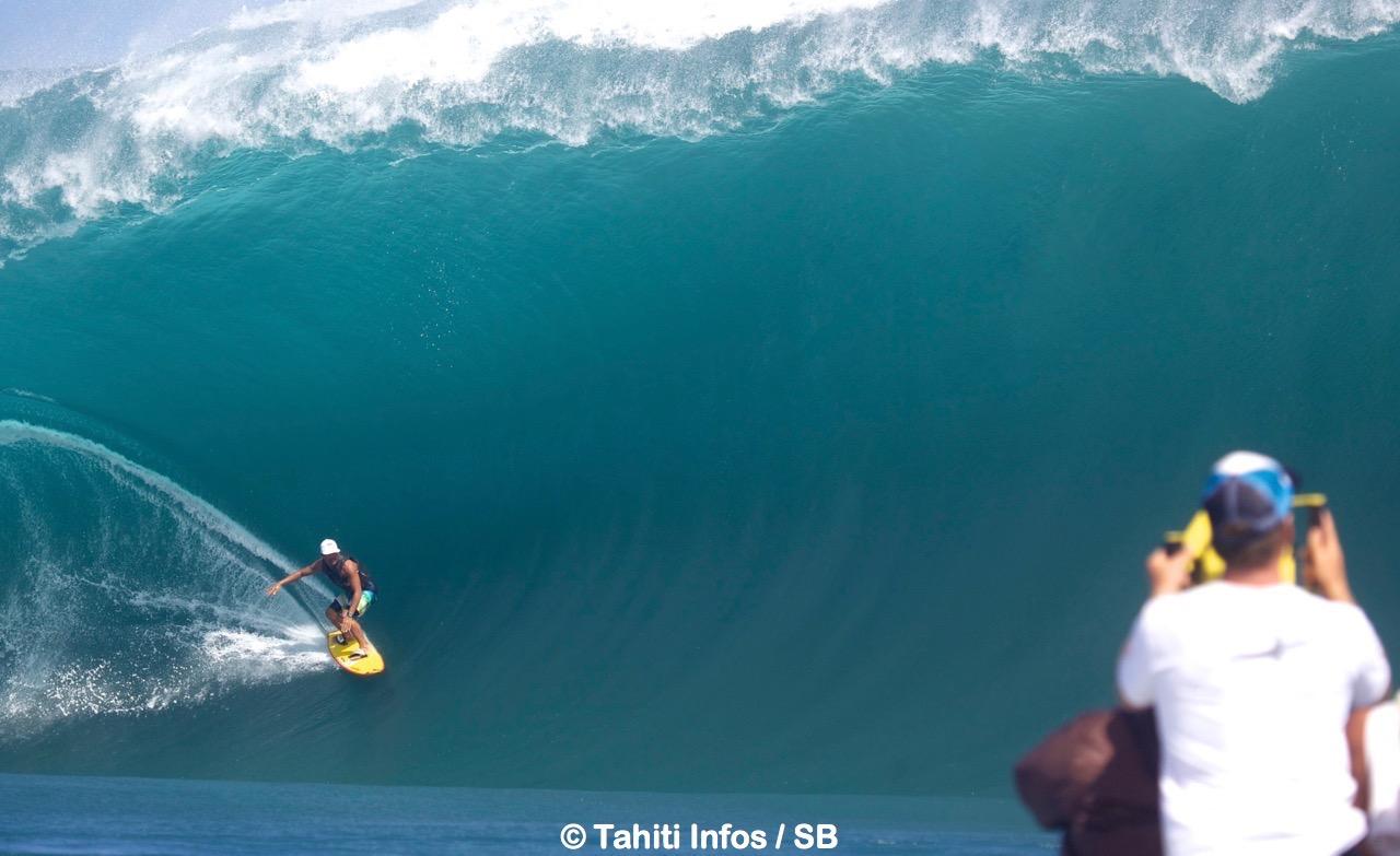 Manoa Drollet, icône du surf mondial