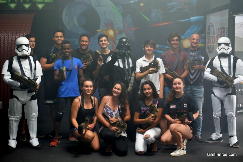 Les jeunes du Rugby Club de Pirae ont inauguré le laser game de Papeete ce mercredi en s'opposant à Dark Vador