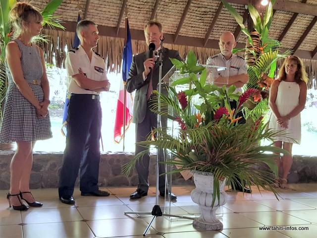 Le haut-commissaire René Bidal, élogieux sur les qualités humaines et professionnelles des deux chefs de service.